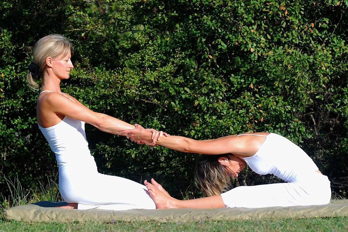 Small group yoga in Cannes